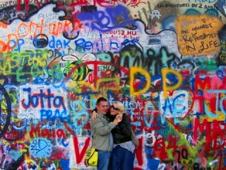 Praga, ściana Johna Lennona