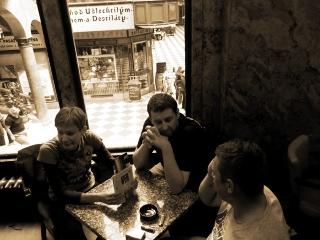 Praga, Magda, Spider i Michał w Kawiarni Lucerna