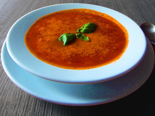 Zupa pomidorowa z mozarellą i parmezanem - przepis